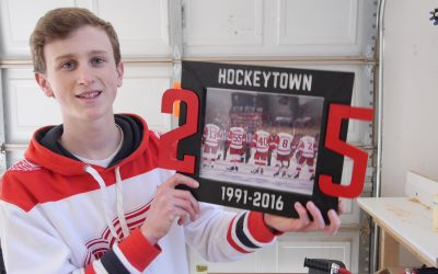 How to Make a Red Wings Picture Frame