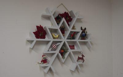How to Make a Snowflake Shelf
