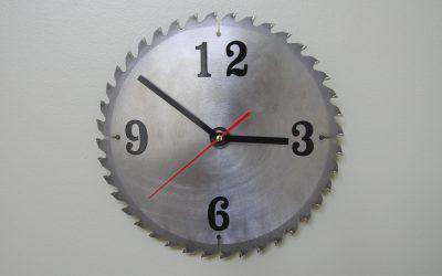 How to Make a Saw Blade Shop Clock